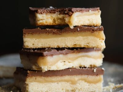 Chocolate Caramel Shortbread Bars - HOMEMADE TWIX