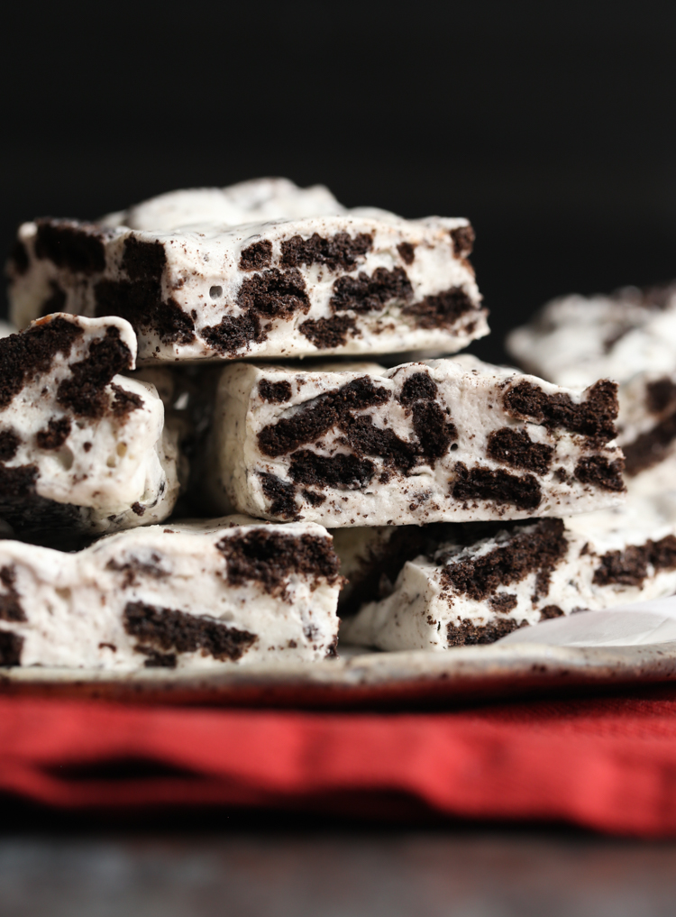 Cookies and Cream Marshmallow Bars are an easy no bake dessert with only 3 ingredients!