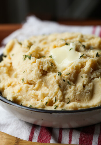 Crock Pot Mashed Potatoes is the best mashed potato recipe to feed a crowd!