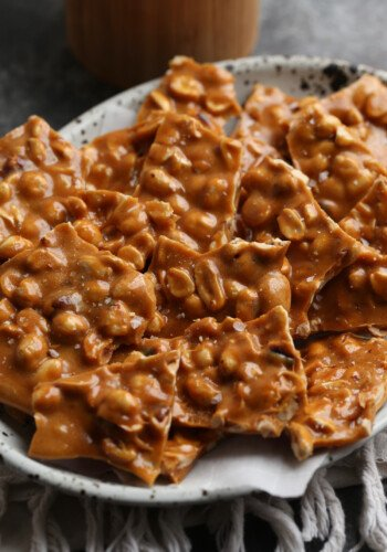 An Easy Peanut Brittle Recipe