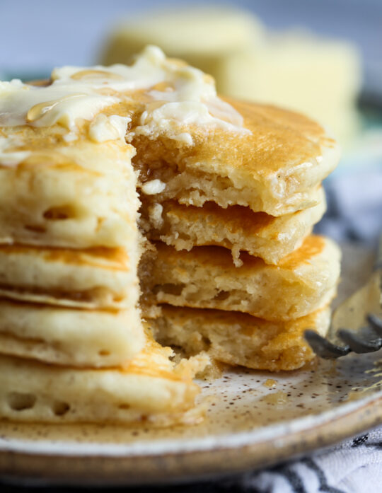 Homemade Fluffy Buttermilk Pancakes Recipe