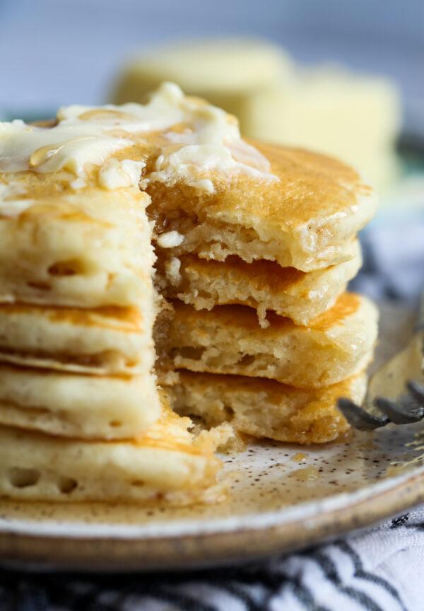 Homemade Fluffy Buttermilk Pancakes Recipe