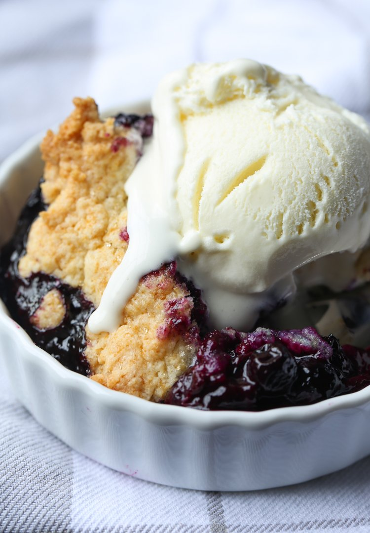 Homemade Blueberry Cobbler with ice cream