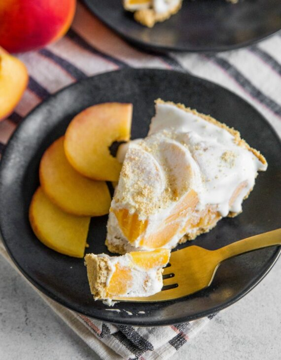 This Easy Icebox Peach Pie Recipe is only 4 Ingredients