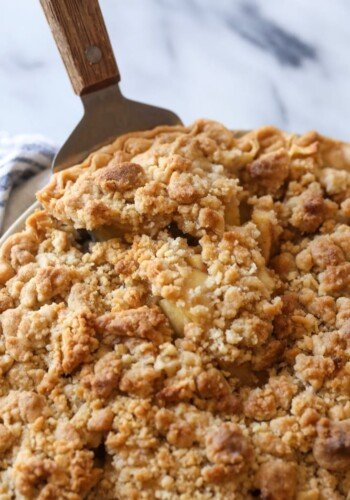Dutch Apple Pie with Crumb Topping