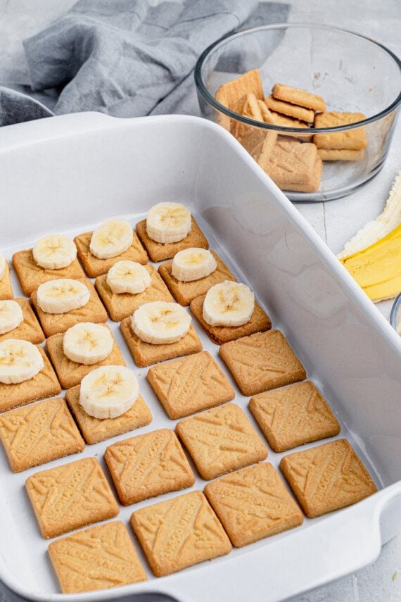 Banana slices on top of shortbread cookies.