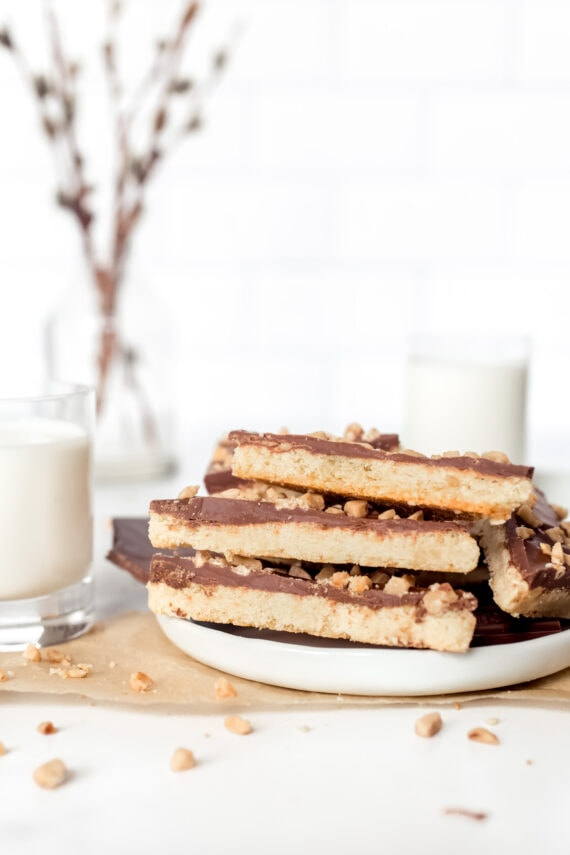 Almond Roca Cookies stacked on a plate