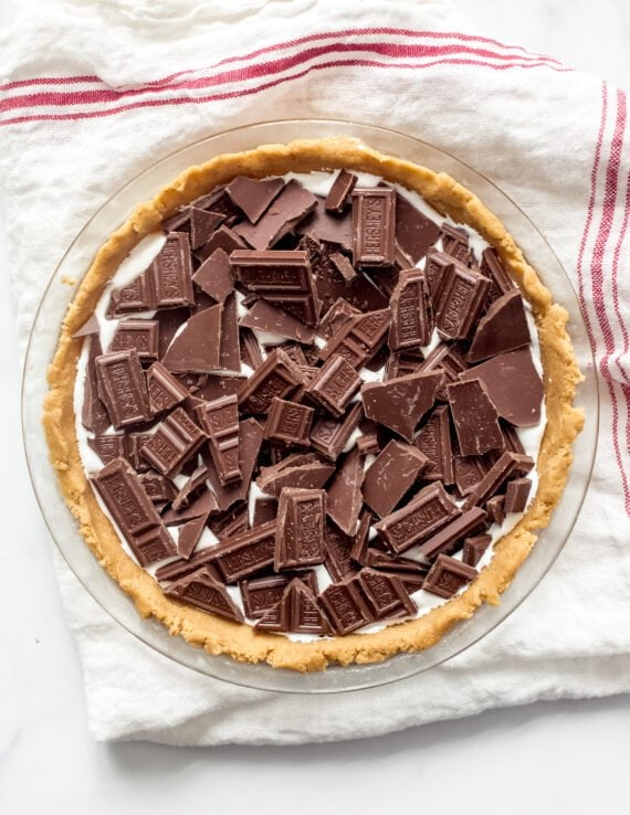 Making S'mores Pie with Hershey's Chocolate