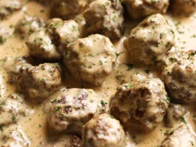 Beef and pork meatballs in gravy.