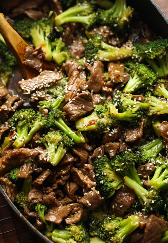 Beef and broccoli with sesame seeds.