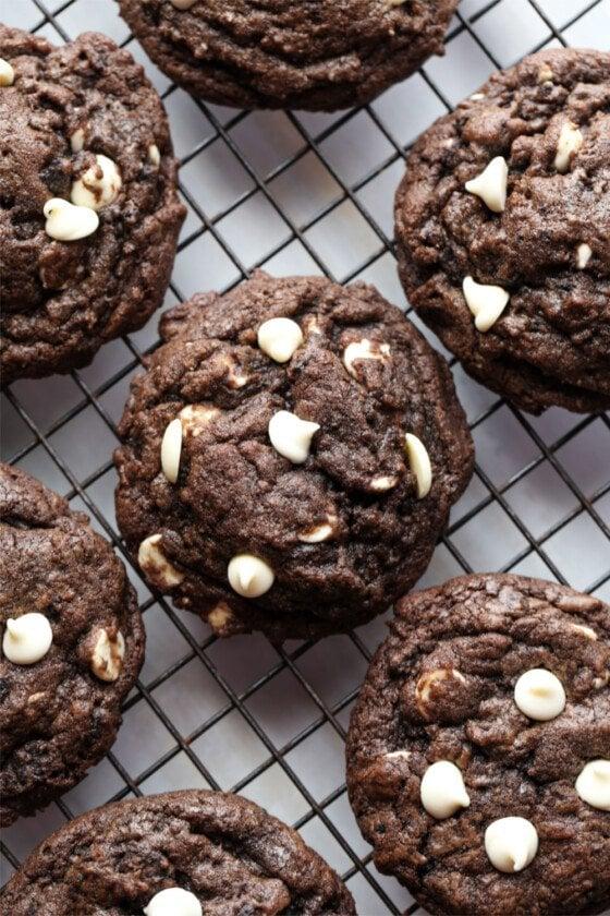 Chocolate Cookies and Cream Cookies